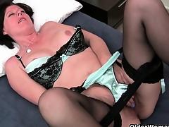 British gilfs expose their masturbation skills