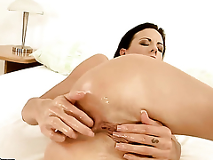 Liz fucks herself to orgasm in unattended scene
