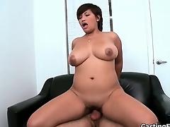 Cute oriental amateur girl gets fucked